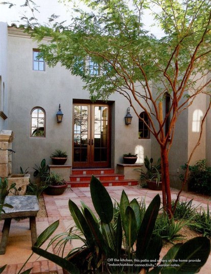 Gorgeous Front Yard Courtyard Landscaping Ideas 23
