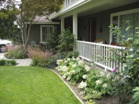 Gorgeous Front Yard Courtyard Landscaping Ideas 25