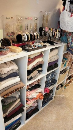 Awesome Bedroom Organization Ideas 29
