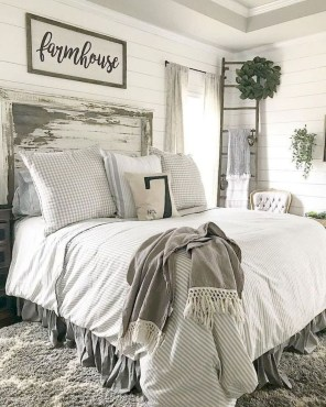 Awesome Farmhouse Style Master Bedroom Ideas 26