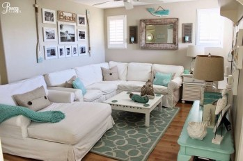 Comfy Coastal Themed Living Room Decorating Ideas 09