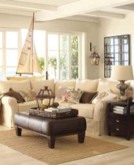 Comfy Coastal Themed Living Room Decorating Ideas 10