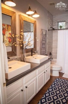 Gorgeous Rustic Farmhouse Bathroom Decor Ideas 22