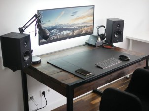 Unique Gaming Desk Computer Setup Ideas 12