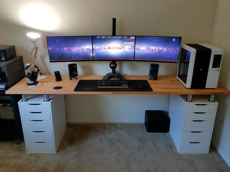 Unique Gaming Desk Computer Setup Ideas 31