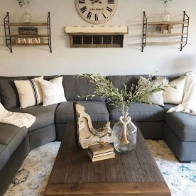 Charming Antique Farmhouse Decoration Ideas 02