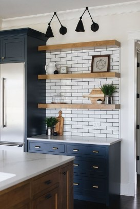 Cute Farmhouse Kitchen Backsplash Ideas 07
