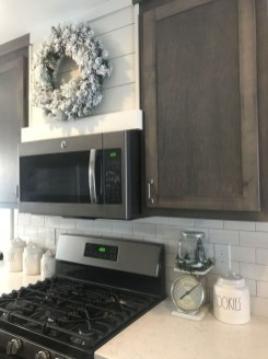 Cute Farmhouse Kitchen Backsplash Ideas 10