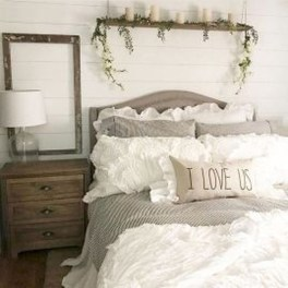 Inspiring Modern Farmhouse Bedroom Decor Ideas 09
