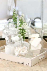Lovely Farmhouse Bathroom Accessories Ideas 28
