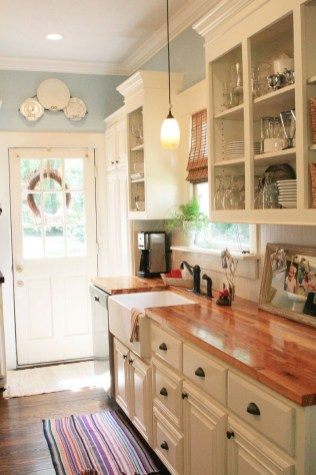 Magnificient Rustic Country Kitchen Ideas To Renew Your Ordinary Kitchen 25