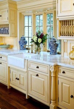 Stunning Farmhouse Kitchen Color Ideas 17