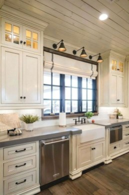 Stunning Farmhouse Kitchen Color Ideas 36