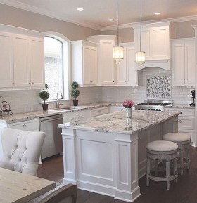 Stunning Farmhouse Kitchen Color Ideas 39