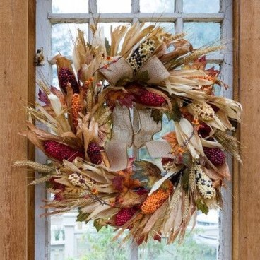 Stylish Fall Wreaths Ideas With Corn And Corn Husk For Door 28
