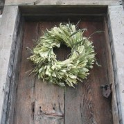 Stylish Fall Wreaths Ideas With Corn And Corn Husk For Door 53