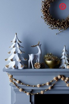 Adorable Gold Christmas Decoration Ideas 57