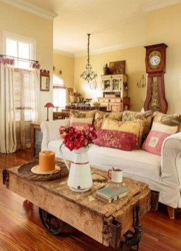 Awesome French Farmhouse Living Room Design Ideas 09