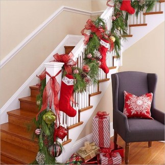 Beautiful Christmas Stairs Decoration Ideas 36