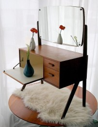 Cozy Mid Century Dressing Tables Vanities Ideas 27