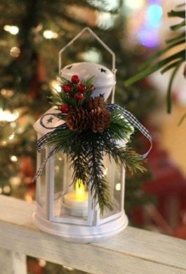 Exciting Christmas Lanterns For Indoors And Outdoors Ideas 33
