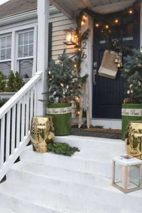 Fascinating Christmas Decor Ideas For Small Spaces 17