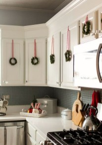 Fascinating Christmas Decor Ideas For Small Spaces 49