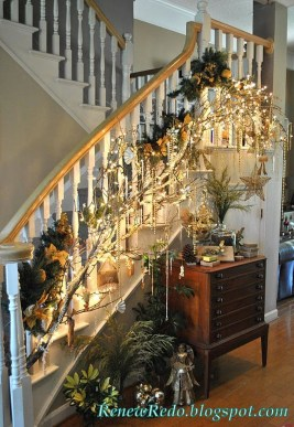 Gorgeous Ways To Decorate Your Stairs In This Christmas Ideas 36