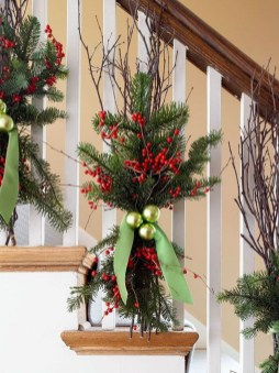 Gorgeous Ways To Decorate Your Stairs In This Christmas Ideas 46