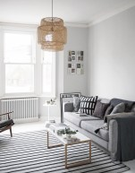 Incredible White Walls Living Room Design Ideas 16