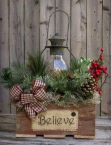 Lovely Traditional Christmas Decorations Ideas 19