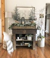 Lovely Traditional Christmas Decorations Ideas 39