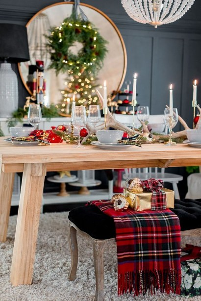 Lovely Traditional Christmas Decorations Ideas 53
