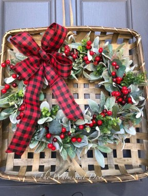 Magnificient Rustic Christmas Decorations And Wreaths Ideas 19