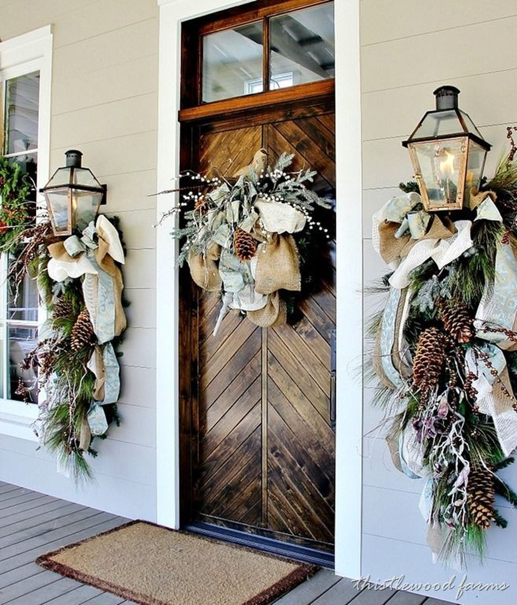Magnificient Rustic Christmas Decorations And Wreaths Ideas 22