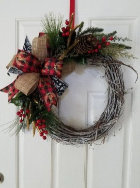 Magnificient Rustic Christmas Decorations And Wreaths Ideas 27