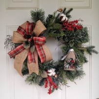 Magnificient Rustic Christmas Decorations And Wreaths Ideas 41