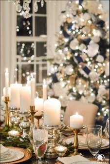 Modern Rustic Christmas Table Settings Ideas 23