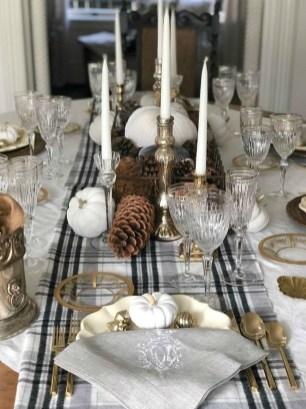 Modern Rustic Christmas Table Settings Ideas 43