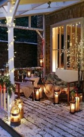 Stunning Balcony Decor Ideas For Christmas 26