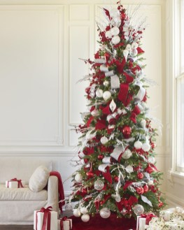 Stylish Decorated Christmas Trees 2018 Ideas 11