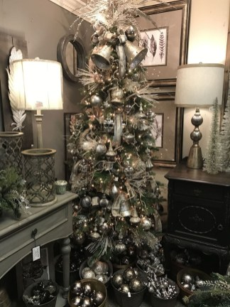 Stylish Decorated Christmas Trees 2018 Ideas 42