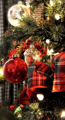 Wonderful Red Christmas Decoration Ideas 28