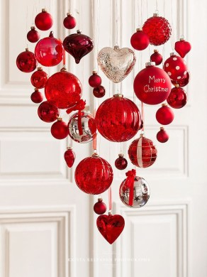 Wonderful Red Christmas Decoration Ideas 37