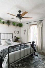 Attractive Industrial Bedroom Design Ideas 03