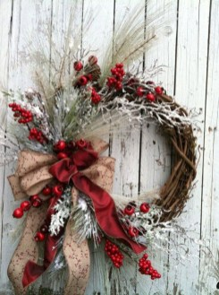 Awesome Christmas Wreath Decoration Ideas For Your Home 09