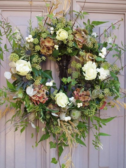Awesome Christmas Wreath Decoration Ideas For Your Home 13