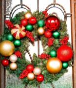 Awesome Christmas Wreath Decoration Ideas For Your Home 23