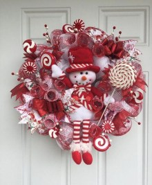 Awesome Christmas Wreath Decoration Ideas For Your Home 26