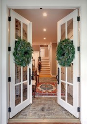 Awesome Christmas Wreath Decoration Ideas For Your Home 34